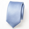 Schmale hellblaue Krawatte